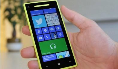 Продажи смартфонов на Windows Phone сократились вдвое