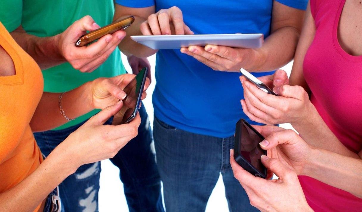 Gemius: лишь четверть украинцев заходят в интернет со смартфона