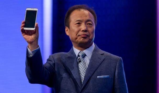 Samsung планирует стать разработчиком программного обеспечения