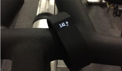 Обзор умного фитнес-браслета Fitbit Charge HR