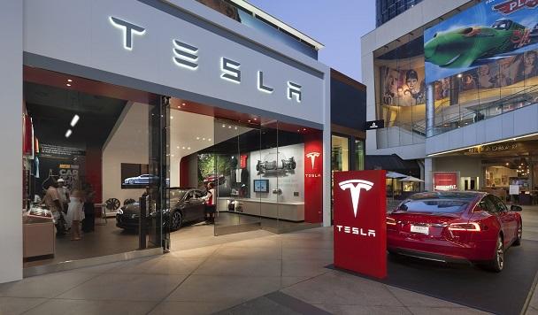 Убытки Tesla увеличились
