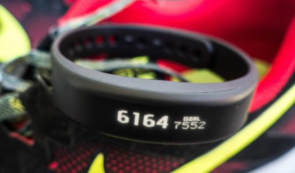 Обзор Garmin Vivosmart: каким должен быть фитнес-браслет