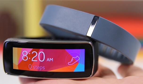 Обзор Samsung Gear Fit: фитнес-браслет и умные часы