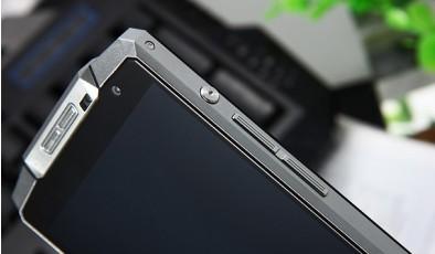 Лайфхак: что обязательно нужно проверить перед покупкой б/у смартфона