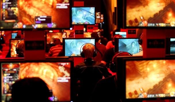 Самые профессиональные геймеры мира: узнаем в лицо