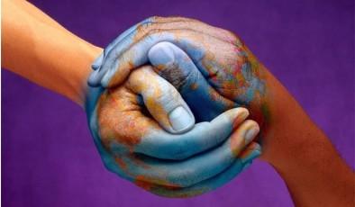 Теория шести рукопожатий – правда или вымысел?