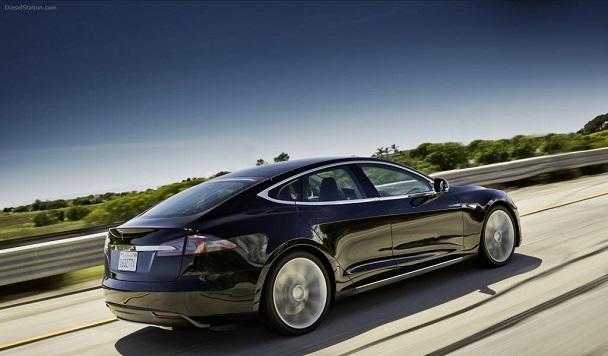 5 мифов об электромобилях Tesla