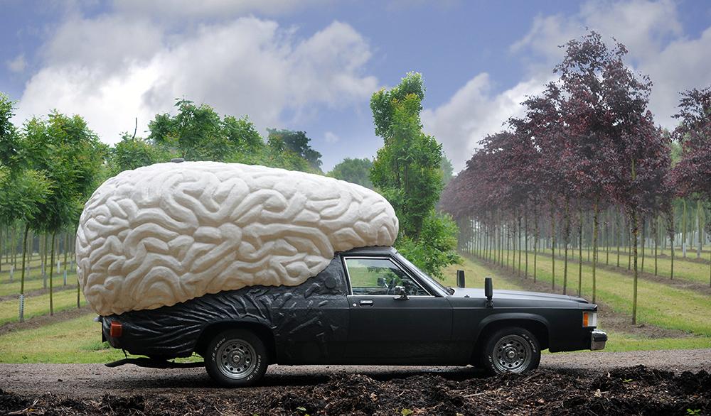7 гаджетов, которые сделают ваш автомобиль умным