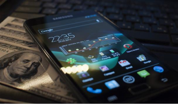 Топ-3 смартфонов в категориях эконом, средняя и премиум