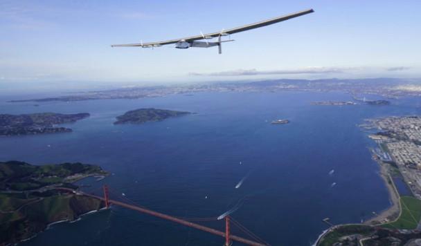 Самолет на солнечной энергии облетел вокруг мира