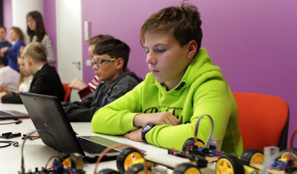 В «Школе SMART» научат школьников управлять интернетом вещей