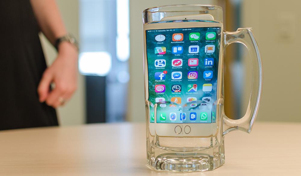 Лучшие смартфоны начала 2017, которые не боятся воды