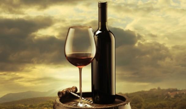 Необычное вино для особых случаев: 5 напитков, которые точно понравятся девушке