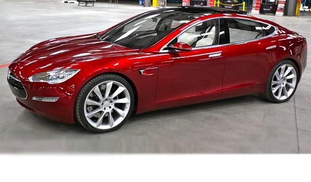 4a109eec54b6 Tesla пришлось убрать три полоски с логотипа Model 3 после претензий Adidas  - Новости - IGate.com.ua