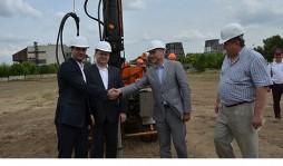 В Никополе началось строительство солнечной электростанции, в которую Канада инвестирует € 15 млн