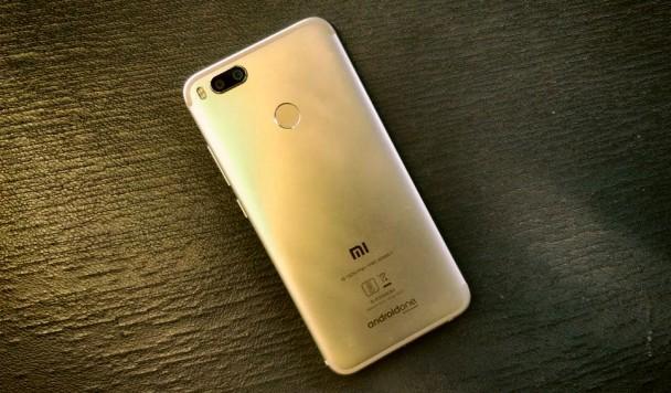 Xiaomi представила доступный клон iPhone 7