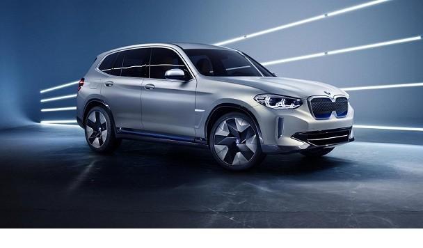 BMW представила свой первый электрический кроссовер