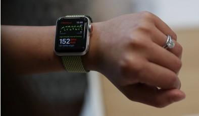 7 причин выбрать Apple Watch вместо Fitbit Versa