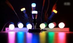 5 причин установить в своем доме умные лампочки