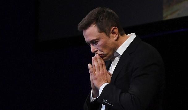 Илон Маск уйдет с поста главы совета директоров Tesla, но продолжит руководить компанией