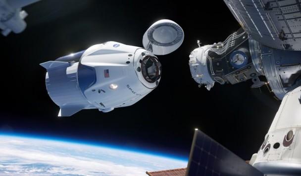 Первый полет корабля SpaceX с экипажем на борту состоится уже в 2019