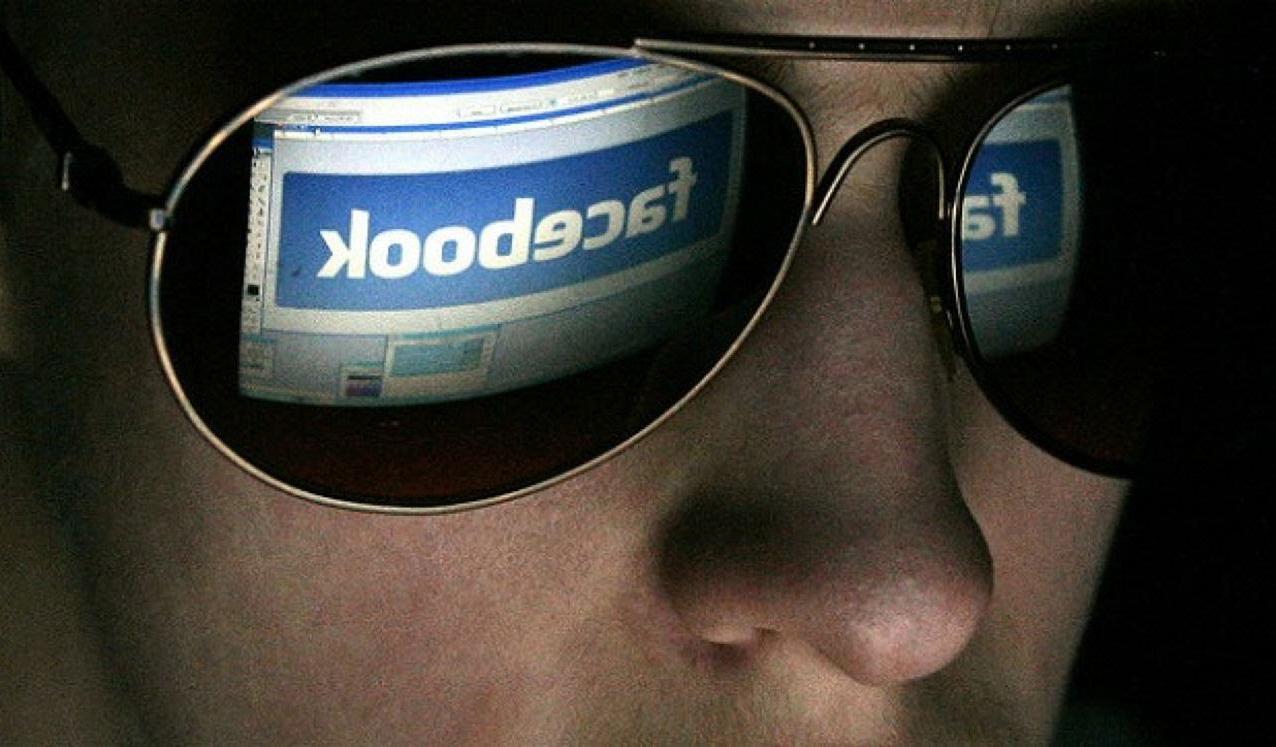 Facebook хочет знакомить людей при помощи тотальной слежки