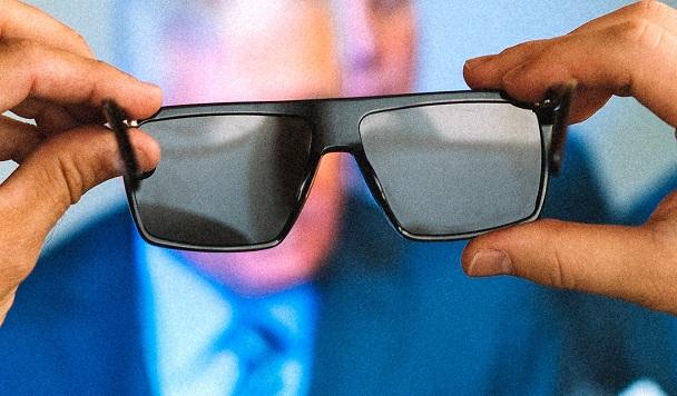Очки, защищающие от рекламных вывесок, собрали на Kickstarter более $140 тысяч