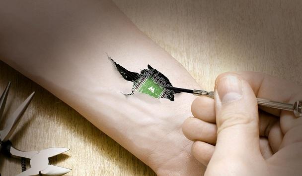 Британская компания вшивает чипы своим сотрудникам