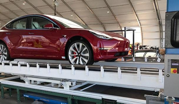 Tesla открыла для украинцев возможность покупки электрокаров через свой сайт