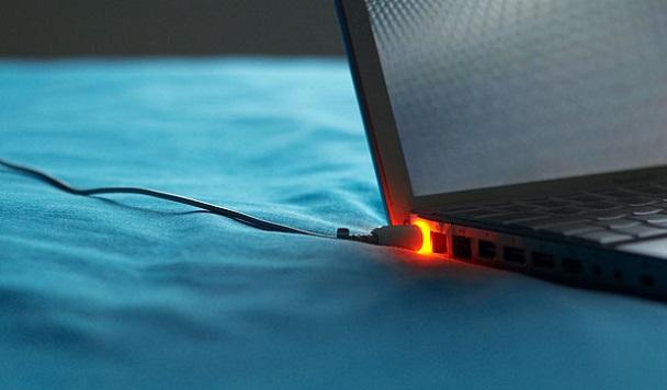 Как зарядить ноутбук без зарядного устройства: эксперименты для уверенных пользователей