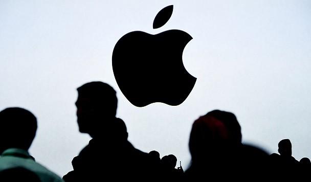 Стоимость акций Apple достигла минимума за год. Капитализация компании снизилась на треть