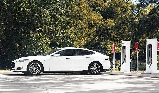 В Украине появятся зарядные станции Tesla Supercharger в 2019 году