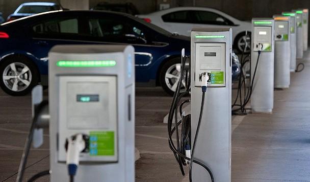 Все парковки Украины хотят оснастить зарядками для электромобилей