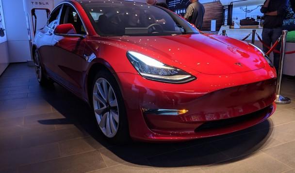 Электромобиль Tesla Model 3 станет главной целью хакеров всего мира