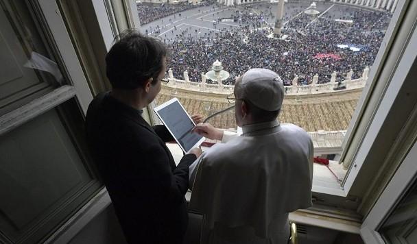 Папа Римский представил онлайн-сервис для молитв