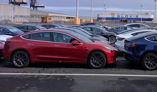Илон Маск анонсировал появление «режима часового» в Tesla
