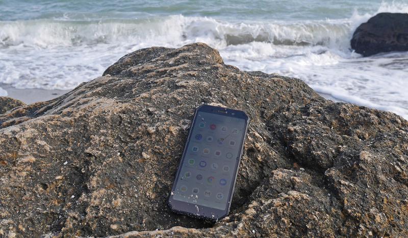 """""""Военный стандарт"""" для смартфона: Что конкретно это означает"""