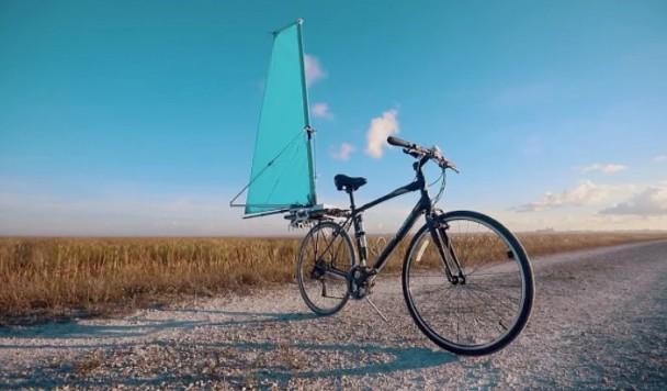 Разработан умный складной парус для велосипеда