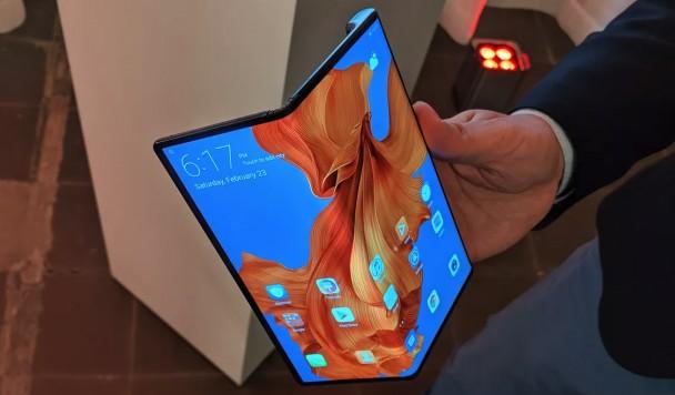 Война складных смартфонов: Huawei Mate X оказался еще интереснее Samsung Galaxy Fold