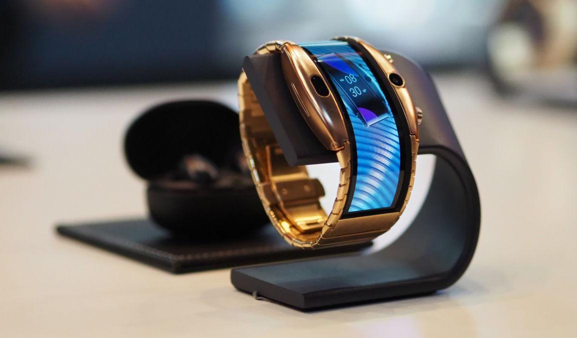 Nubia Alpha: Как работают первые смарт-часы с гибким дисплеем