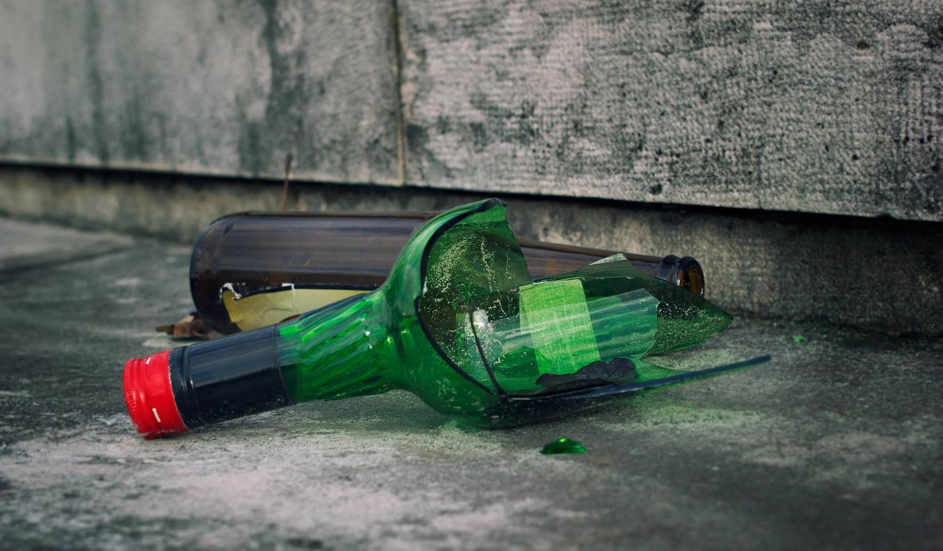 Ученые нашли способ превратить стеклянный мусор в зубную пасту