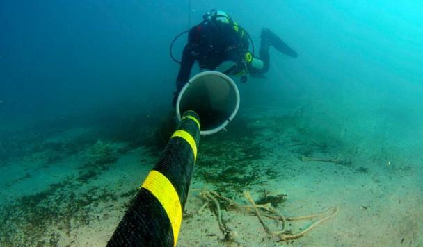 Microsoft и Facebook добились рекордной скорости передачи данных по подводному кабелю