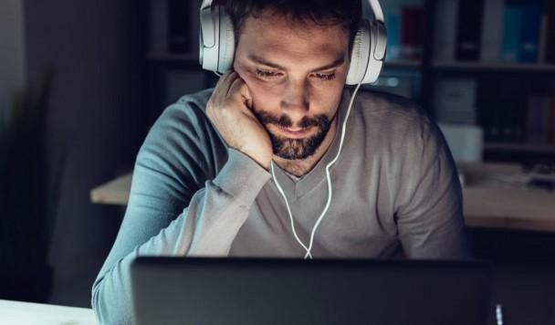 Как прослушивание музыки за работой влияет на креативность