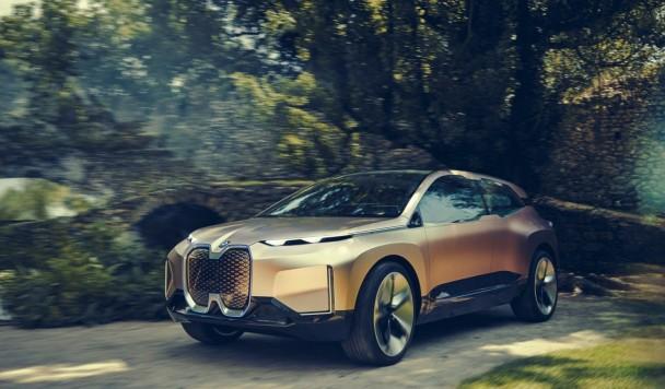 BMW хочет, чтобы вы общались со своим автомобилем, как с другом
