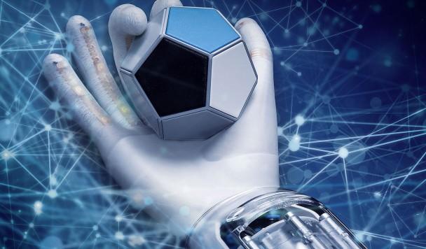 Разработана мягкая и чувствительная роботизированная рука со способностью к самообучению