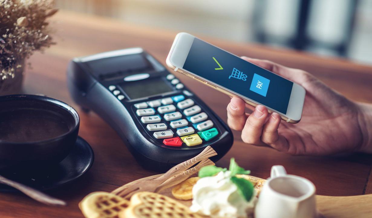 Украинцы смогут использовать смартфоны в качестве платежных терминалов