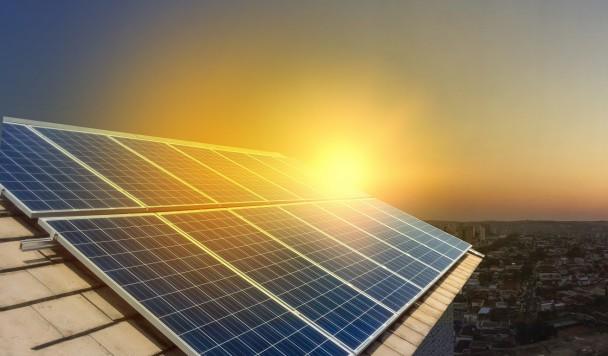 Кофеин повышает эффективность солнечных батарей