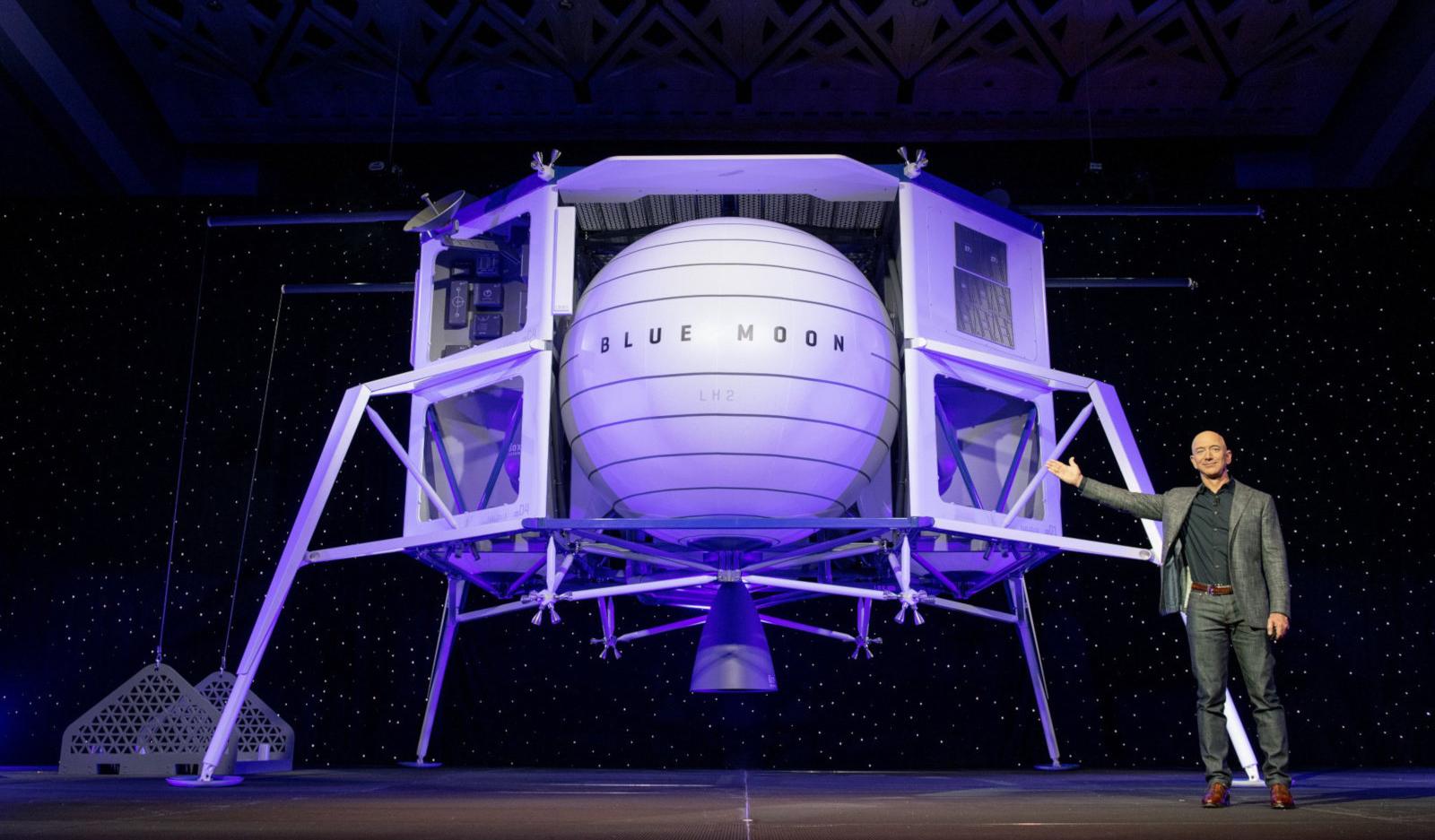 Глава Amazon Джефф Безос намерен покорять Луну