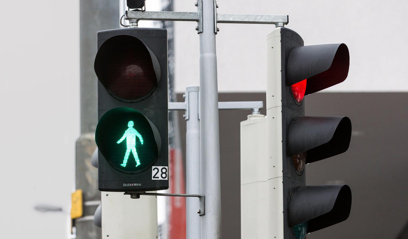 Светофоры будущего будут заранее знать, когда вы хотите перейти улицу