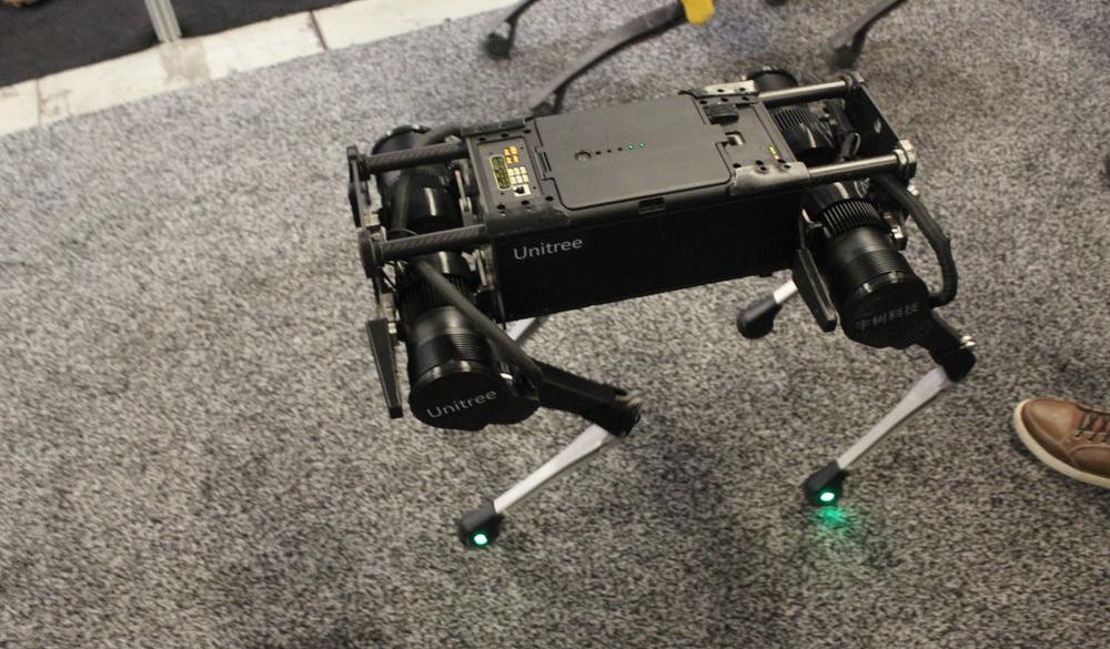 Представлен ловкий и легкий робопёс для патрулирования и разведки